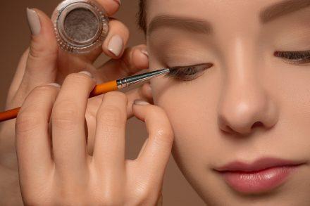 专业化妆文凭